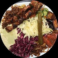 Assiette israélienne, brochettes d'agneau
